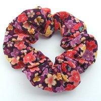 Leaf 猫とおそろいのはんなり和柄シュシュ 桜紫模様 猫オーナー用